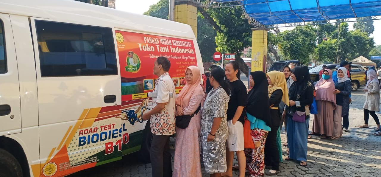 Harga Gula dan Minyak Naik, Kementan Gelar Pangan Murah - JPNN.com