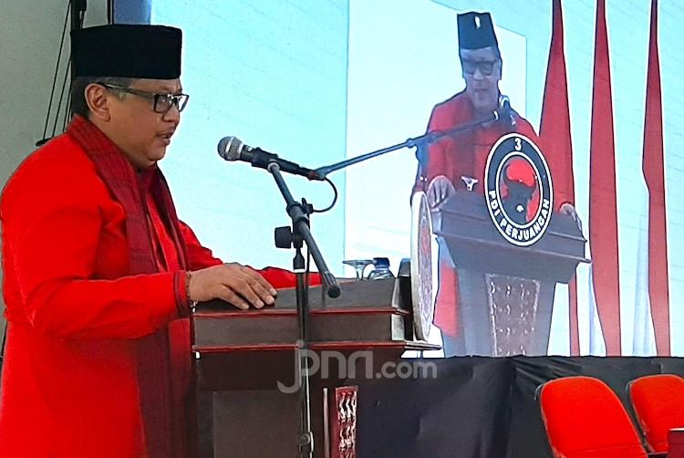 Respons PDIP Soal Perkembangan Pencalonan Gibran bin Jokowi dan Bobby - JPNN.com