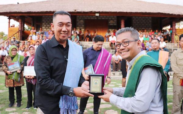 Sambangi Sumba, Dirjen PDT Bahas Desa Digital dan PKTD - JPNN.com