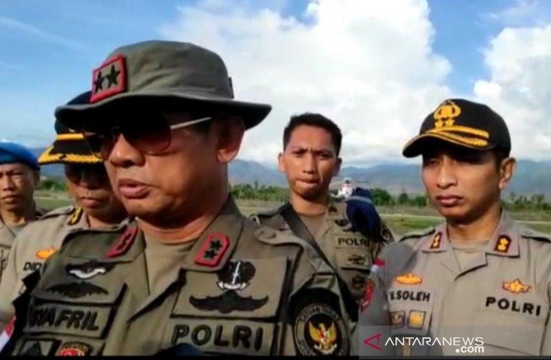 Tidak Kuat Dikepung, 2 Anggota Kelompok Bersenjata Menyerah - JPNN.com