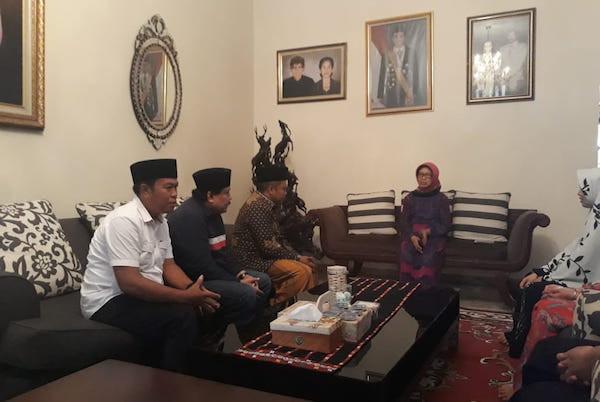 Gus Nabil Sebut Ibunda Presiden Jokowi, Panjenengan Perempuan Hebat - JPNN.com