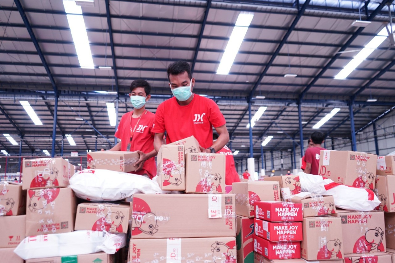 Paket Dijamin Sampai, JD.id Ajak Pelanggan Tetap di Rumah aja - JPNN.com