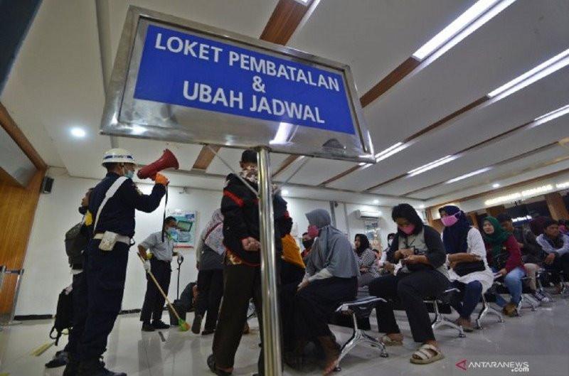 Jumlah Penumpang Terus Menurun, KAI Kurangi 243 Perjalanan KA - JPNN.com