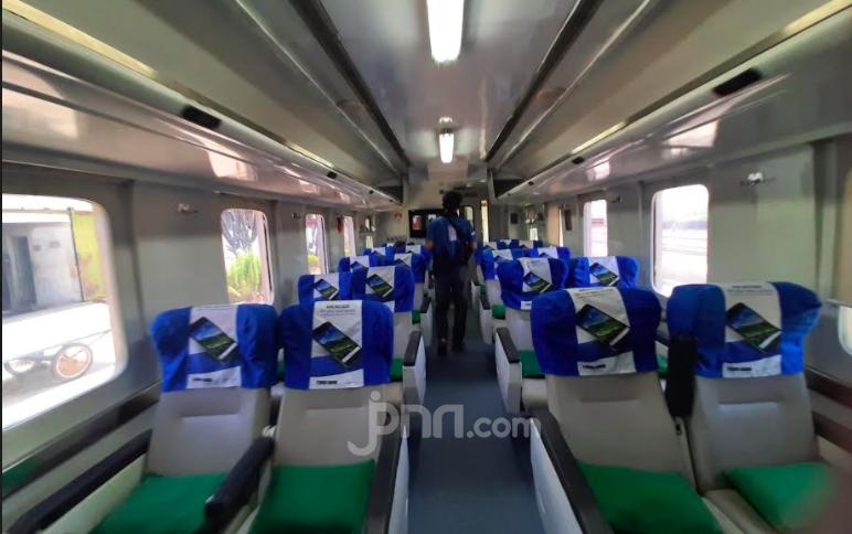 Perjalanan Jauh Menyenangkan dengan Kereta Api - JPNN.com