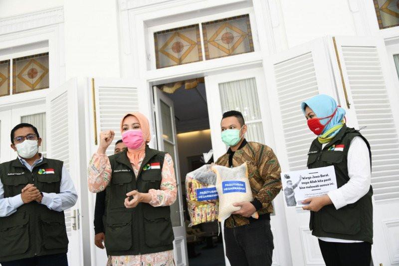 1.000 Paket Sembako Disalurkan Bagi Warga Terdampak Corona, Semoga Tepat Sasaran - JPNN.com