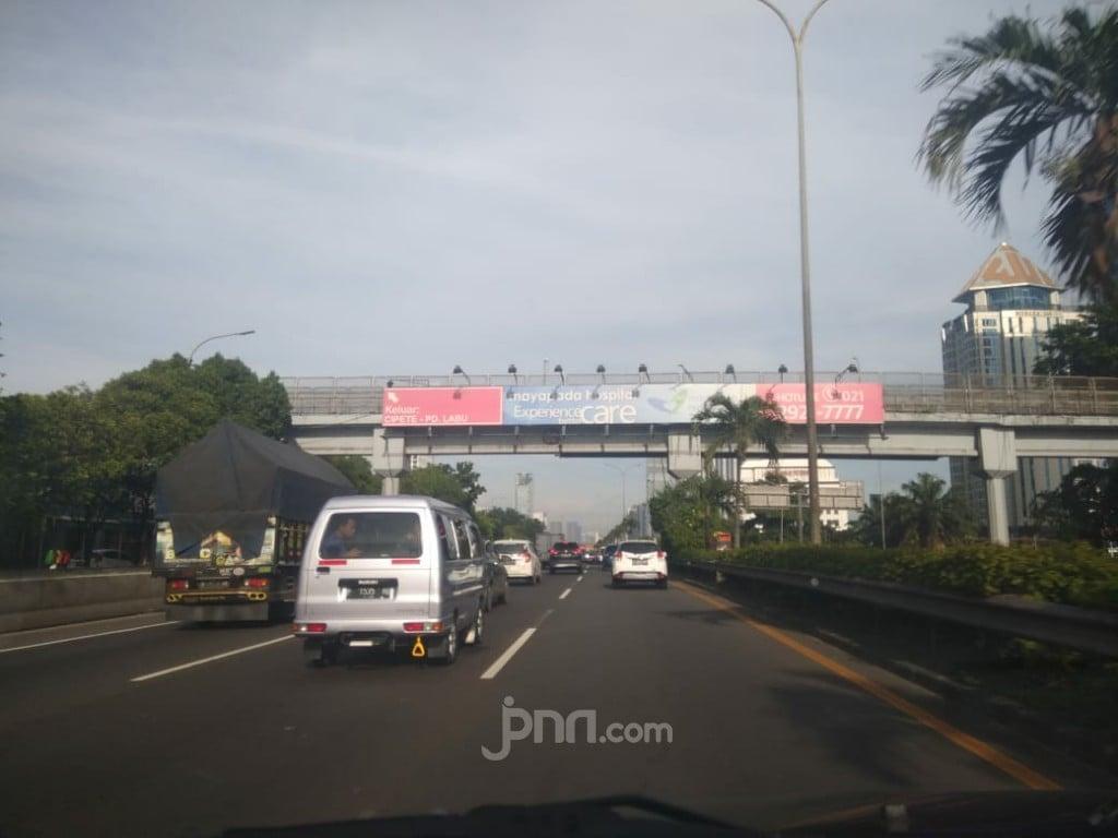 Evakuasi Lokasi Kecelakaan Wakil Jaksa Agung, Arus Lalin Kembali Normal - JPNN.com