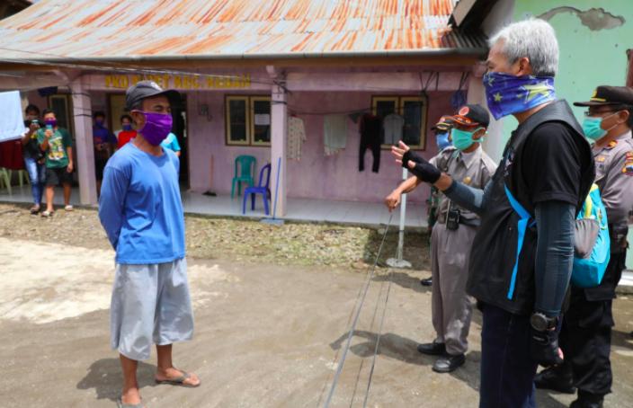 Bermotor Kunjungi Desa Tanggap Corona, Gubernur Ganjar: Josss, Ngono Kuwi - JPNN.com