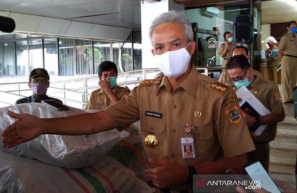 Respons Ganjar Terhadap Ribuan Buruh Terkena PHK di Tengah Wabah Corona - JPNN.com