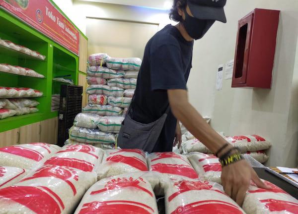 Kementan Berikan Subsidi Distribusi Pangan dari Daerah Surplus ke Daerah Minus - JPNN.com