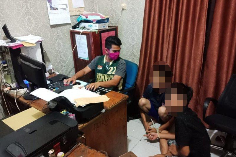 2 Pemuda Sering Berduaan di Rumah, Perbuatannya yang Terlarang Terungkap - JPNN.com