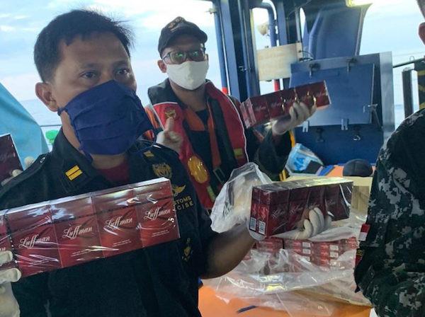 Bea Cukai Gagalkan Penyelundupan Jutaan Batang Rokok Ilegal ke Aceh - JPNN.com