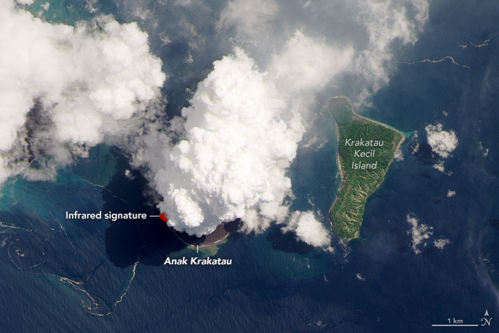 NASA Gunakan Satelitnya untuk Memotret Anak Krakatau, Inilah Hasilnya - JPNN.com