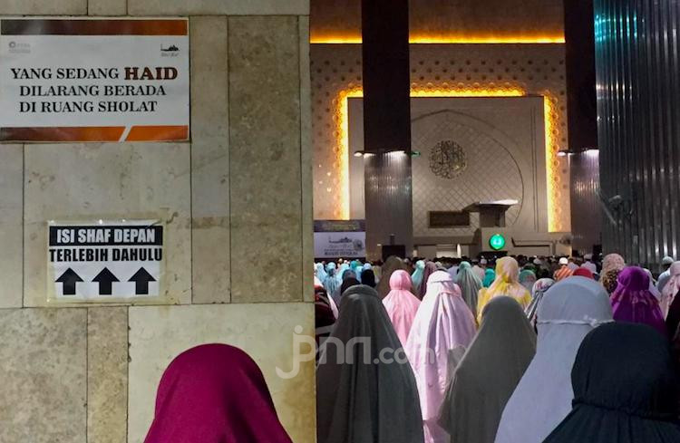 Tarawih Berjemaah di Masjid, Perhatikan Empat Hal Ini - JPNN.com