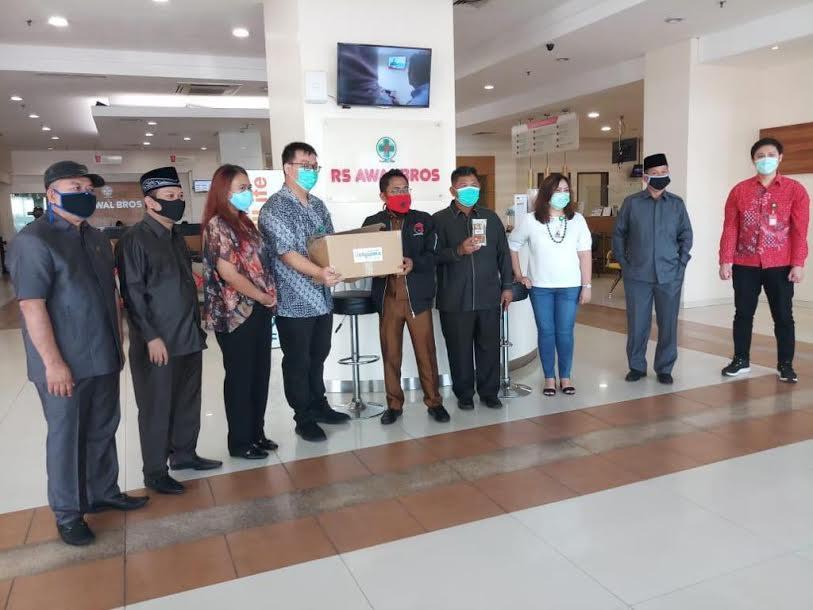 Satgas Lawan Covid-19 DPRD Kota Tangerang Salurkan Bantuan Obat Herbal - JPNN.com