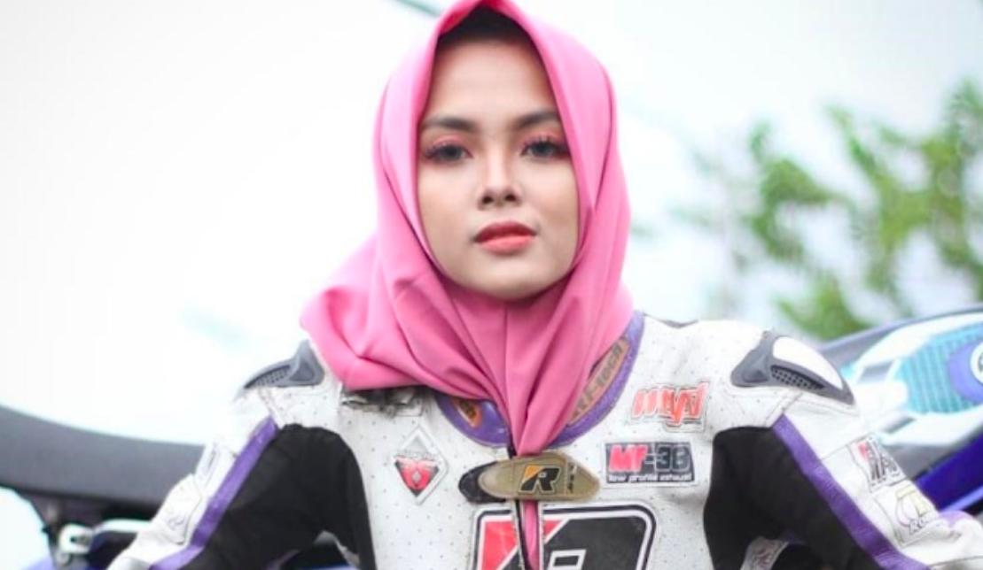 Perkenalkan ini Pembalap Cantik dan Berhijab, Kintan Mary - JPNN.com