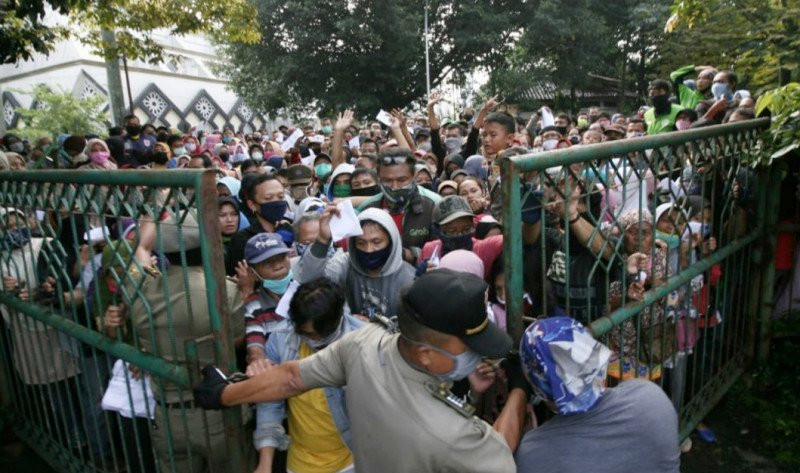 Nyonya Ade Yasin Terkejut, Ketua Bogor Baznas Mendapat Mogok - JPNN.com
