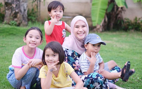 Zaskia Adya Mecca Deg-degan Sekolah Bakal Dibuka Lagi - JPNN.com
