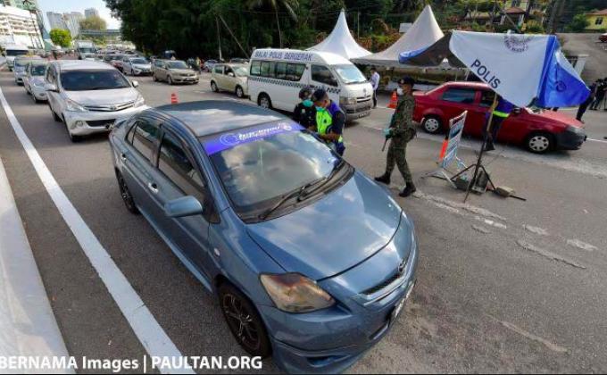 Pemerintah Membolehkan Mobil Berisi Dua Orang, Tetapi Ada Syaratnya - JPNN.com
