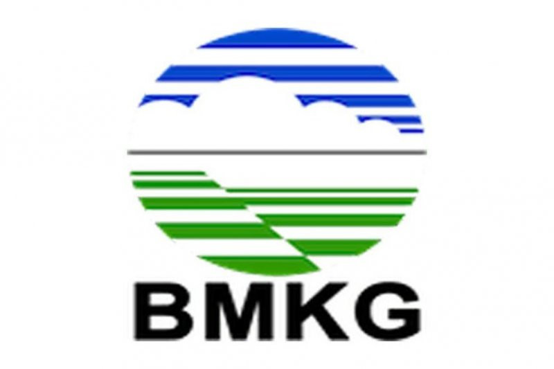 BMKG Imbau Warga Jakarta, Waspada Hujan Lebat Disertai Petir dan Angin Kencang - JPNN.com