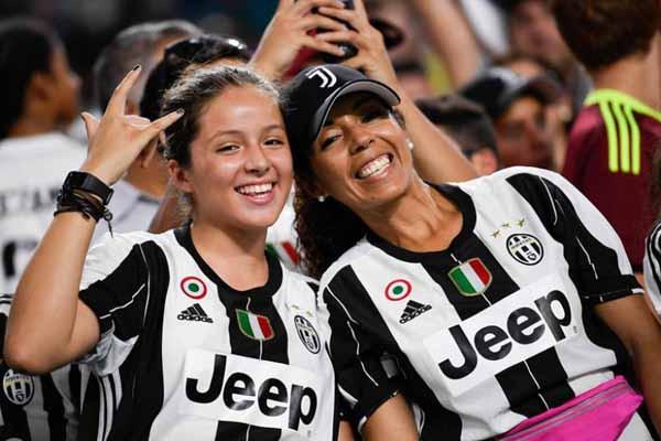 Bursa Transfer: Playmaker Top ke MU, Bomber Maut ke Juventus - JPNN.com