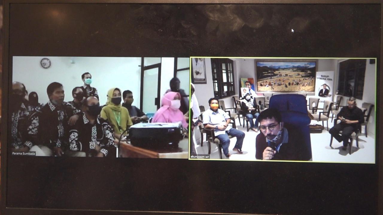 Cak Machfud Optimistis Koperasi Bisa Bangkitkan Ekonomi Surabaya PascaCovid-19 - JPNN.com