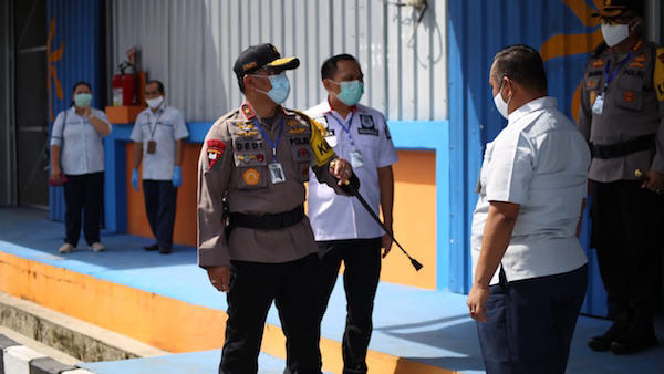 Sambangi Gudang Bulog, Kapolda Kalteng Pastikan Stok Beras Aman hingga Idulfitri - JPNN.com