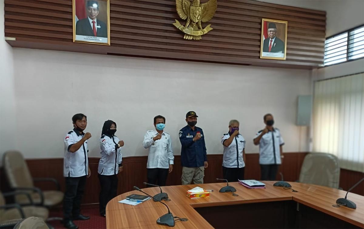 Pak Bupati Siap Menyurati Presiden Demi Keppres PNS Untuk Honorer - JPNN.com