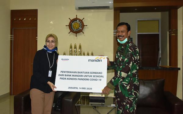 Seskoal Menerima 1.250 Paket Sembako Murah Dari Bank Mandiri - JPNN.com