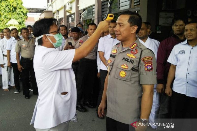 Dengan Inisiatif Sendiri, Kapolresta Padang Isolasi Mandiri - JPNN.com