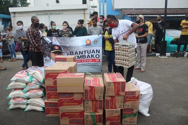 Corona: Yan Mandenas Minta Semua Pihak Memperhatikan Mahasiswa Papua - JPNN.com