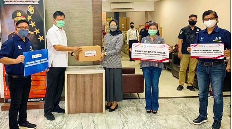 Danone Gandeng Mabes Polri Sebar Ribuan Bansos untuk Masyarakat - JPNN.com