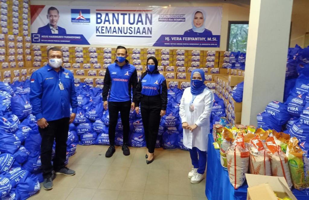 Dilepas AHY, Vera Febyanthy Bagikan 8.000 Paket Sembako - JPNN.com