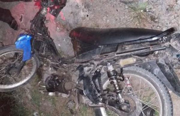 Tabrakan, Pengendara Motor Bonceng Tiga Tewas Mengenaskan di Lokasi Kejadian - JPNN.com
