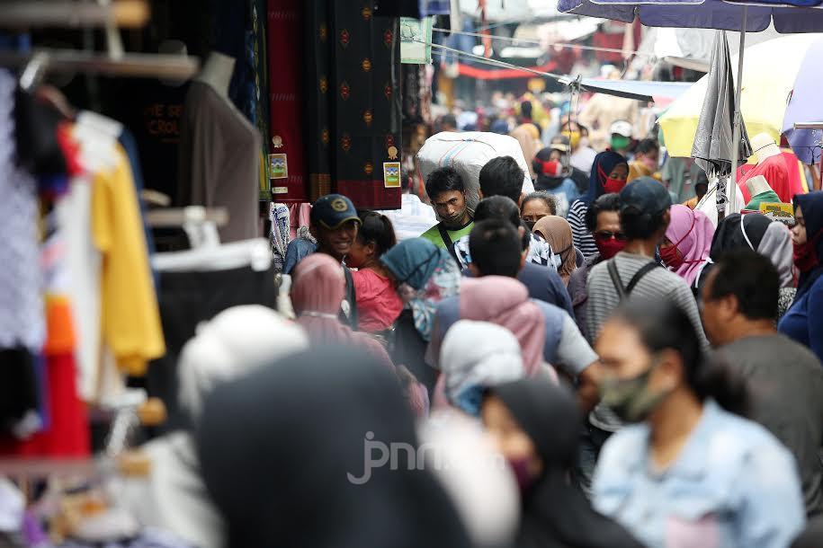 Ini 4 Penyebab Orang Suka Borong Baju atau Kue Menjelang Lebaran, Anda yang Mana? - JPNN.com