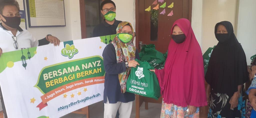 Nayz Salurkan Bantuan untuk Warga Kurang Mampu di Tangerang Selatan - JPNN.com