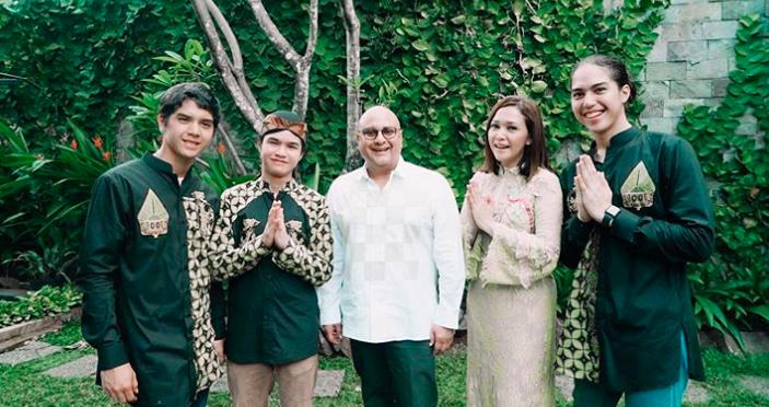 Maia Estianty Bagi-bagi THR, Isi Amplopnya Jadi Sorotan Warganet - JPNN.com