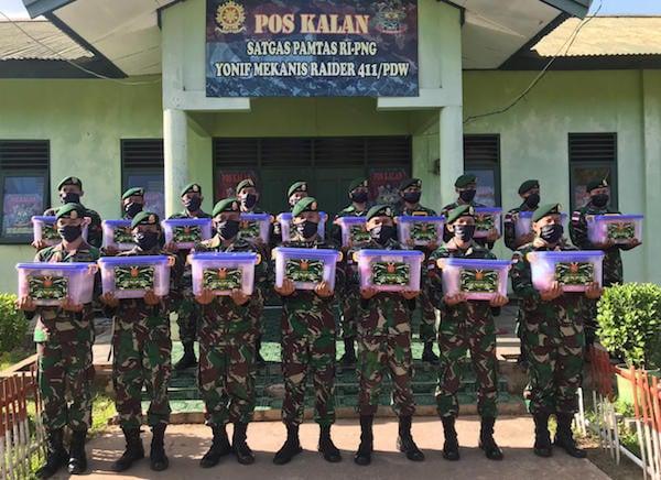 Segenap Prajurit Satgas Yonif 411 Kostrad Sangat Bergembira Atas Perhatian Panglima TNI - JPNN.com