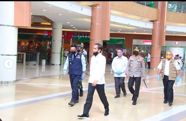 Jokowi Dijuluki Duta Mal Indonesia, Fadli Zon Cocoknya jadi Duta Apa? - JPNN.com