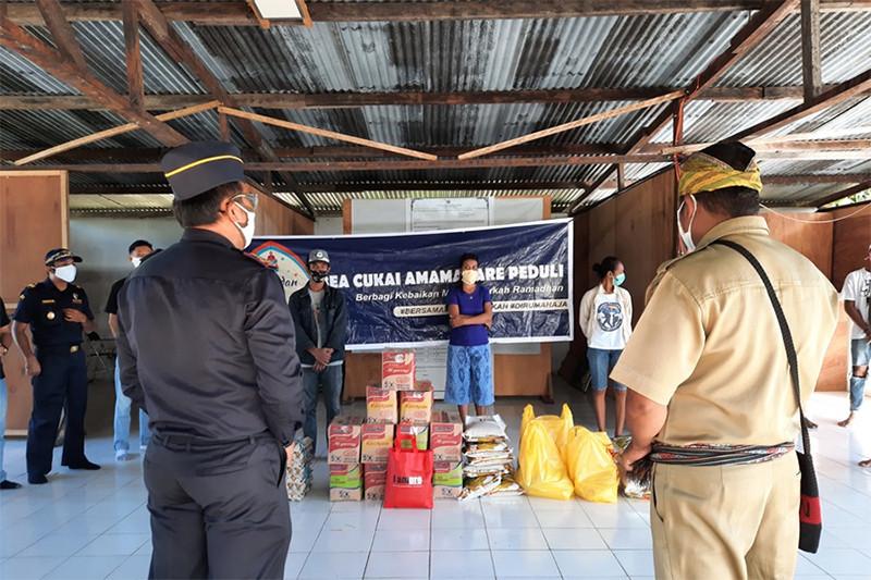 Luar Biasa! Bea Cukai Tak Hanya Mendonasikan Sembako Saja Buat Warga - JPNN.com