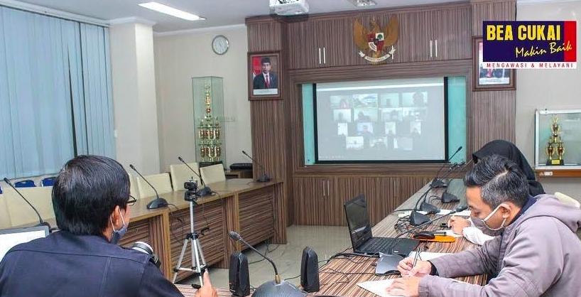 Bea Cukai Bandung Asistensi Pengusaha Tempat Penimbunan Berikat - JPNN.com