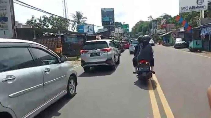 Ini Jalur Alternatif ke Puncak Bogor, Minim Penjagaan, Aman - JPNN.com