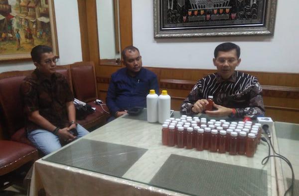 Tim Riset Siap Memproduksi 250 Juta Botol Minuman Herbal Penangkal Virus Corona - JPNN.com
