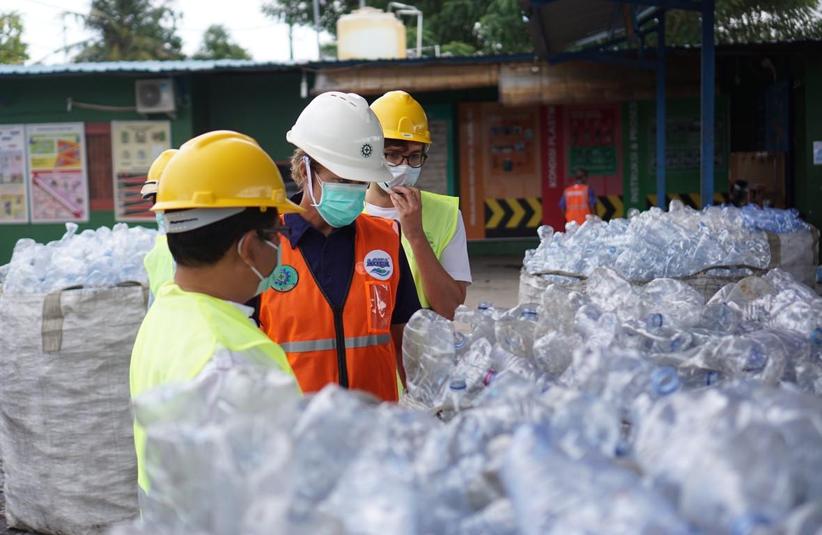 Konsisten Kelola Sampah Kemasan, Danone-AQUA Raih Penghargaan - JPNN.com