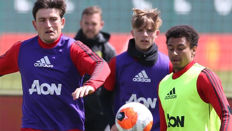 Tiba-Tiba Ada yang Positif COVID-19, Duel Manchester United vs Stoke City Batal - JPNN.com