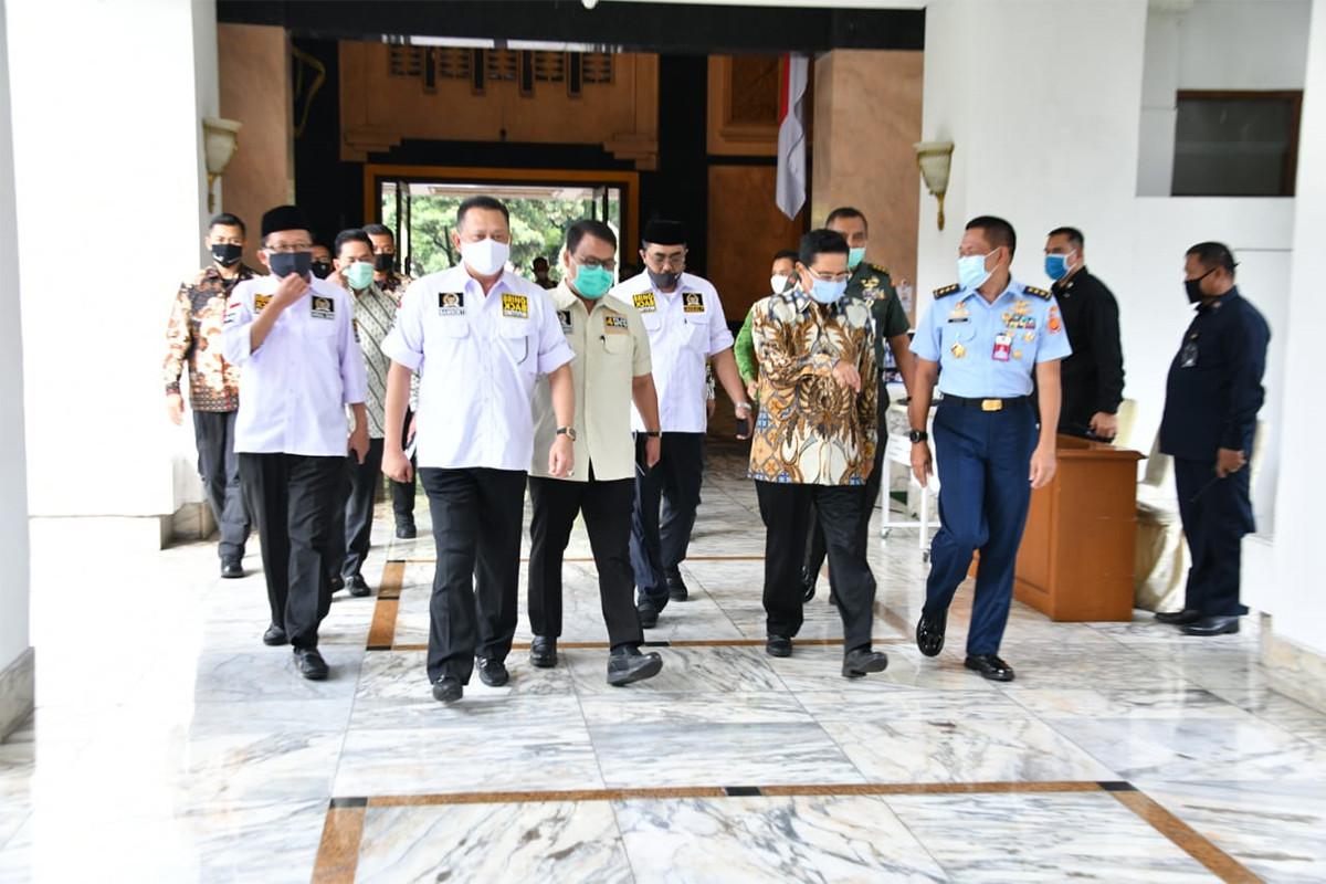 Pimpinan MPR RI dan Prabowo Subianto Bersilaturahmi, Menyenangkan - JPNN.com