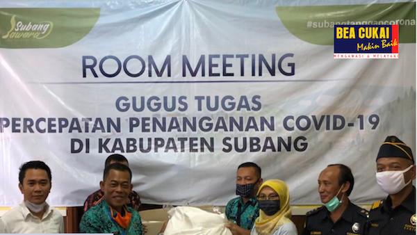 Bea Cukai Purwakarta Salurkan Bantuan APD Kepada Pemda Subang - JPNN.com
