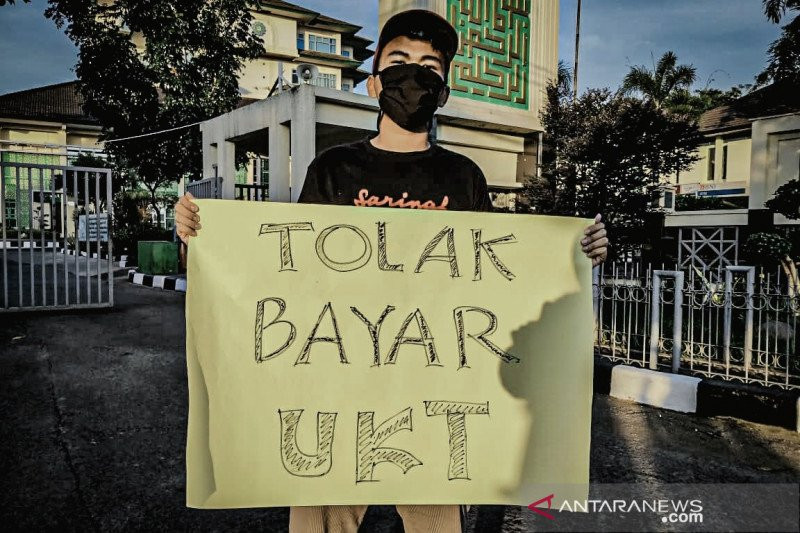 Mahasiswa UIN Bandung Ogah Bayar UKT, Tuntut Kompensasi Covid-19 - JPNN.com