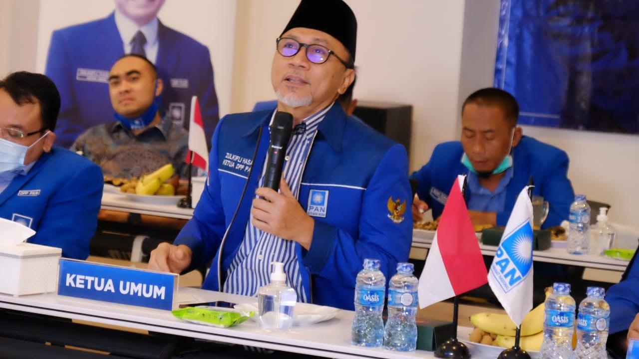 Ketum PAN Zulkifli Hasan Bertemu Jokowi, Nih Agendanya - JPNN.com