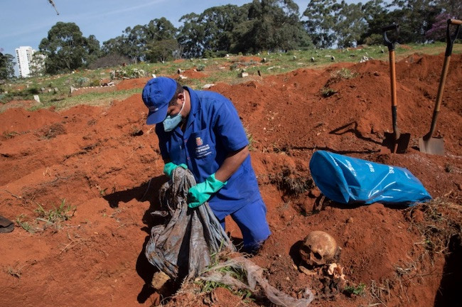 Kuburan Massal Digali untuk Korban COVID-19 - JPNN.com