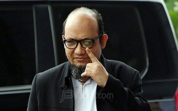 Bikin Twit soal Pelemahan KPK dan Oligarki, Novel Baswedan Sindir Presiden Jokowi? - JPNN.com